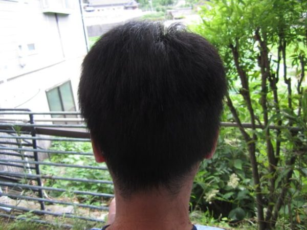 自己流で旦那の髪を切るその5