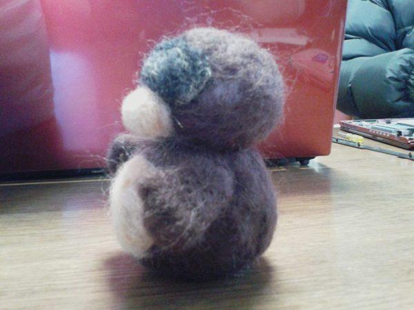 兄の誕生日プレゼントに羊毛フェルトでぬいぐるみのたぬきの分身を作ります
