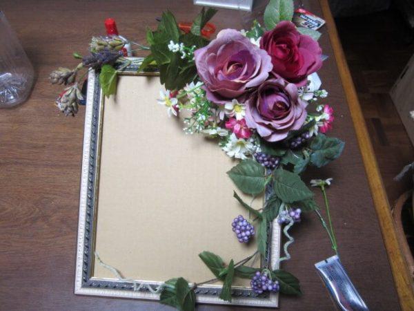 親友の結婚お食事会に向け、ウエルカムボード作ってみました