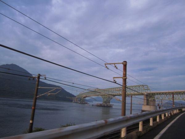 島までかかる橋の画像