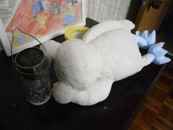 カエルの置物をDIYで作る・前編【お庭をカオスに計画】