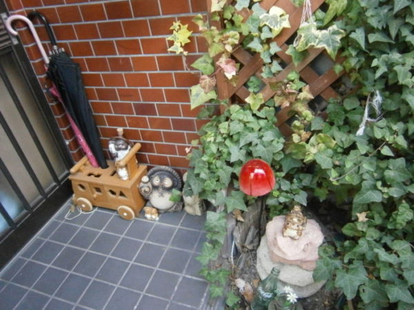 お庭をカオスに!(・∀・)冬休みの工作(・∀・)【フォークとスプーンでウィンドチャイム】