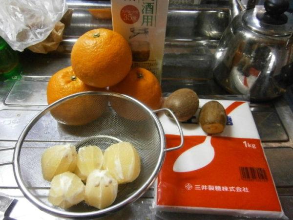ぷっこ流にリモンチェッロを作ってみた(テキトー果実酒も)