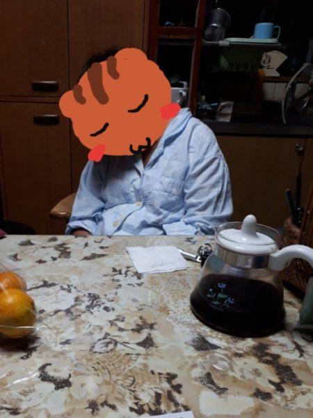 椅子に座ったまま寝オチする母