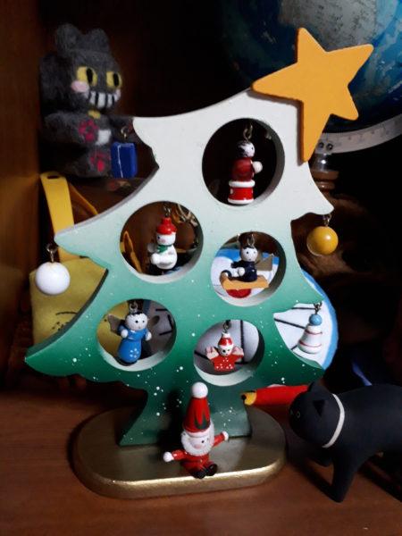 木製レトロなクリスマスツリー