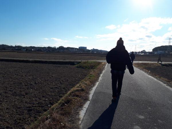 田舎道を散歩、真冬