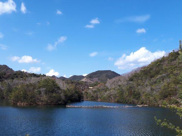 春の陽気に誘われて、兵庫県の東条湖周辺をドライブ