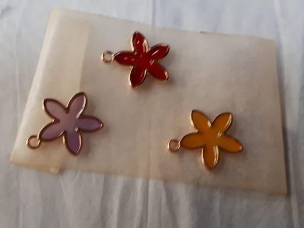 レジンでステンドグラス風サンキャッチャーを作ってみた。*お花モチーフ*セリア、ダイソー