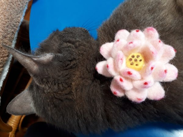 羊毛フェルトで精霊馬のお盆飾り作ってみたよ(* ̄▽ ̄)ノ【キュウリ馬・ナス牛・ホオズキ・ミニトマト・蓮の花・アサガオのモビール ×2】その2