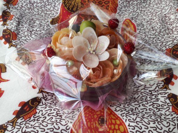 貝殻のお花のアレンジメント作ってみた(ナミマガシワの薔薇、小花、ポピー、さくら貝のイヌサフラン)
